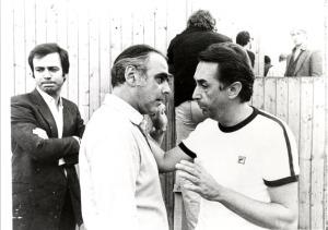 Maurizio Scaparro (terzo da sinistra) a piedi del Teatro del Mondo